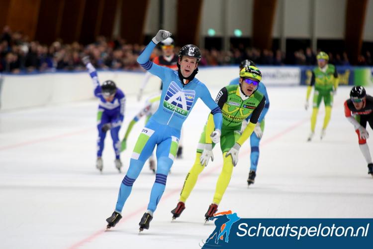 Bob de Vries won afgelopen seizoen de eerste marathon op het ijs van de Elfstedenhal. 15 december komt het peloton terug om dan te strijden op de Atje Keulen-Deelstrabaan.