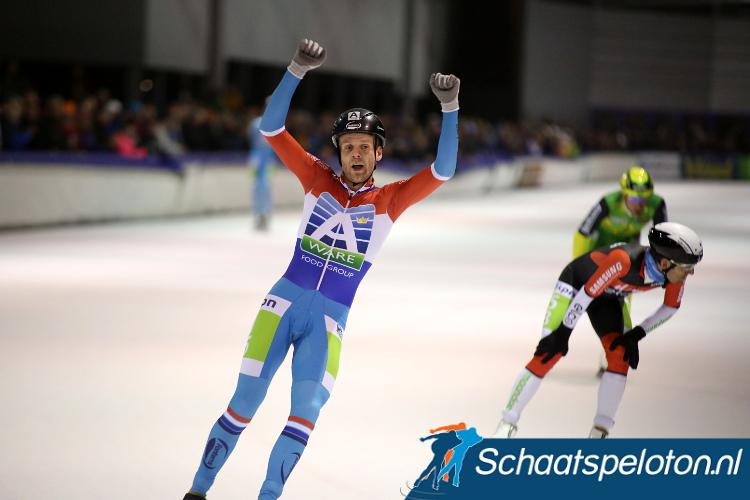 Als uittredend kampioen Arjan Stroetinga zondagmiddag op het podium weet te rijden dan evenaart hij Jan Maarten Heideman met het meeste eremetaal tijdens de NK marathonschaatsen op kunstijs.