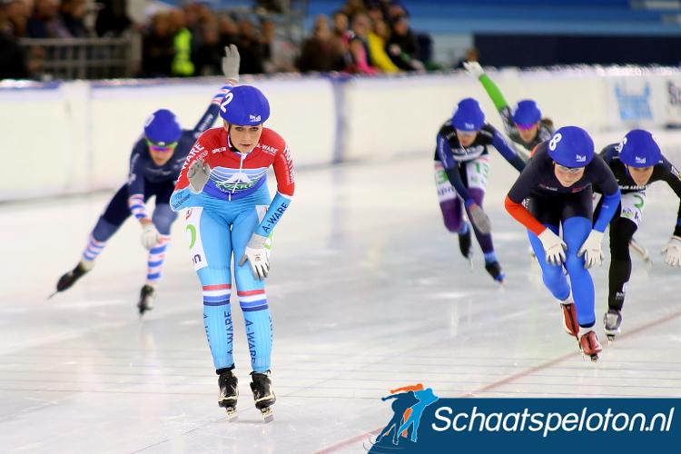 Irene Schouten komt in de finale als eerste over de streep en pakt de eindzege in de Mass-startcompetitie
