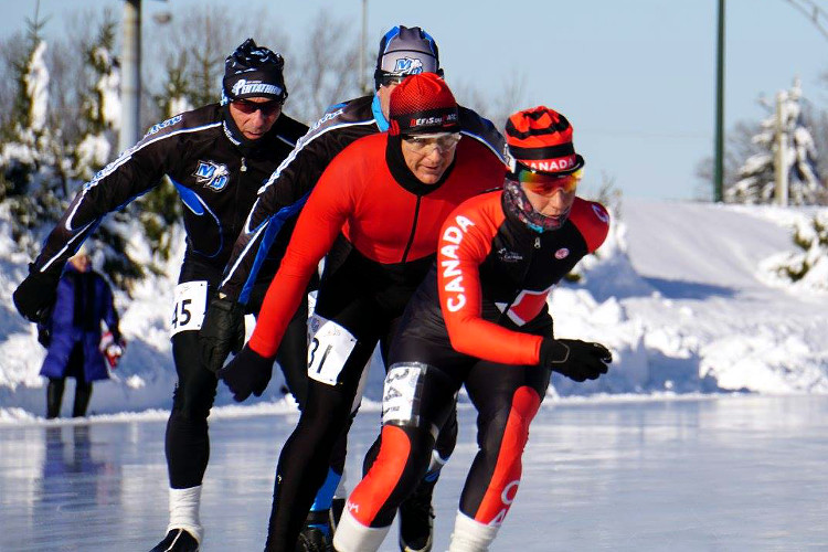 Guylaine Larouche op weg naar de overwinning in de uursrace van de Marathon de Québec.