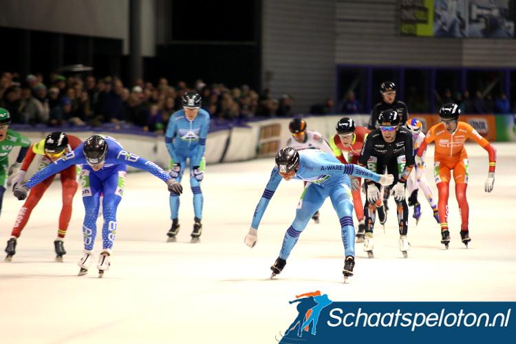 Simon Schouten drukte zijn schaats met twee duizendste net iets eerder dan Niels Mesu over de streep.