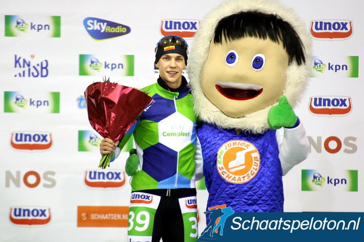 Bart Swings nam vandaag de leiderstrui in de KPN Vierdaagse daarmee staat voor het eerst een buitenlandse schaatser aan de leiding bij zowel de mannen als de vrouwen.