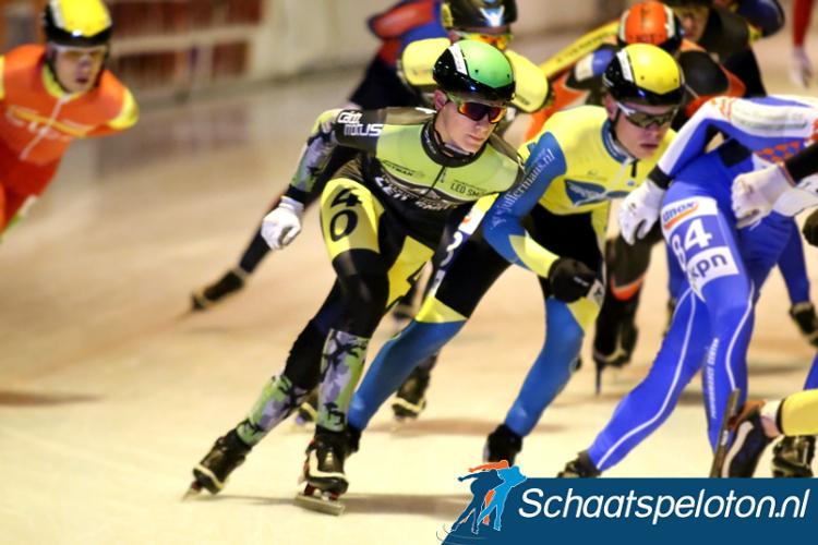 De 16-jarige Yves Vergeer won zijn eerste wedstrijd in het 6-Banentoernooi door solo het peloton te dubbelen.
